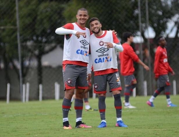 Zé Ivaldo (D) e Cascardo: melhor início de Estadual com equipe alternativa