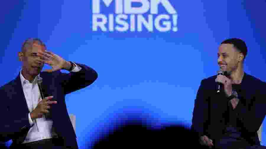Barack Obama e Stephen Curry participam de evento nos Estados Unidos - Justin Sullivan/Getty Images/AFP