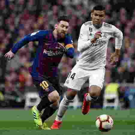 Casemiro x Barcelona - Curto De La Torre/AFP - Curto De La Torre/AFP