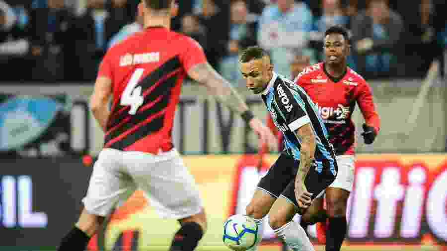Grêmio e Athletico-PR brigam por uma vaga na final da Copa do Brasil. Segundo jogo da semifinal será no dia 4 de setembro - Pedro H. Tesch/AGIF