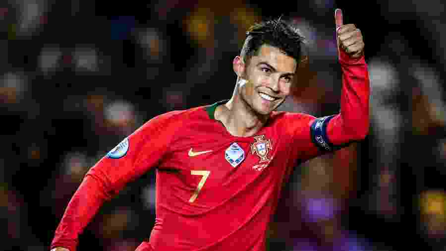 Cristiano Ronaldo durante jogo entre Portugal e Lituânia pelas Eliminatórias da Eurocopa - PATRICIA DE MELO MOREIRA / AFP