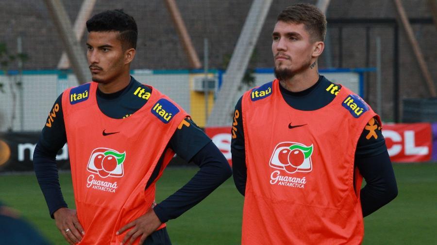 Walce e Lyanco, revelados pelo São Paulo, durante treino da seleção brasileira olímpica - Fernando Torres/CBF