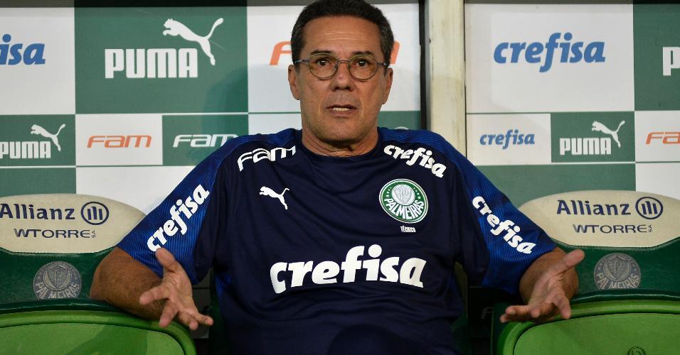 Vanderlei Luxemburgo, técnico do Palmeiras, na partida contra o Guarani