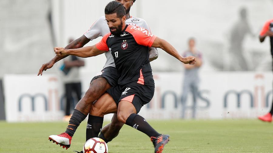 Guilherme foi emprestado ao Athletico-PR, Bahia e Fluminense no período que teve contrato com o Corinthians - Daniel Vorley/AGIF