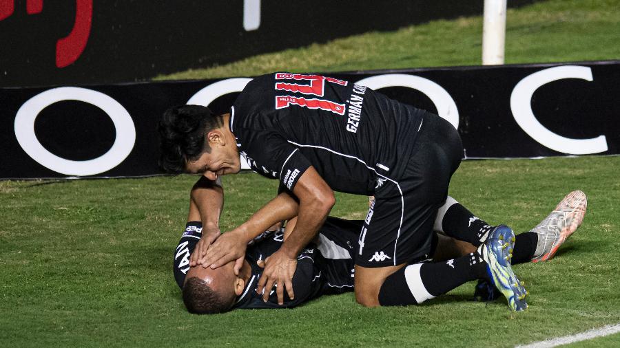Leo Jabá se emocionou ao comemorar seu gol pelo Vasco contra o CRB pela Série B - Jorge Rodrigues/AGIF