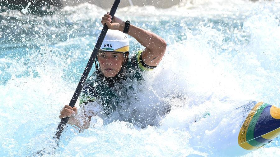 Ana Sátila fica fora da decisão da canoagem slalom K1 e ainda participa da categoria C1 - Luis Acosta/AFP