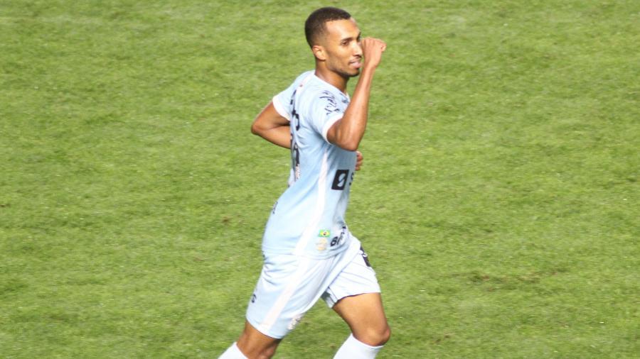 Lucas Braga comemora gol do Santos contra o Juazeirense na Copa do Brasil - Fernanda Luz/AGIF