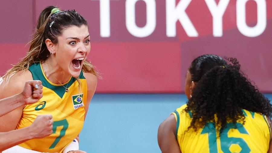 Brasil eliminou o Comitê Olímpico Russo nas quartas de final com ótima atuação de Rosamaria (à esq.) - Carlos Garcia Rawlins/Reuters