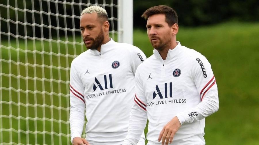 Messi e Neymar devem disputar posto de batedor de pênaltis do PSG - Bertrand Guay/AFP