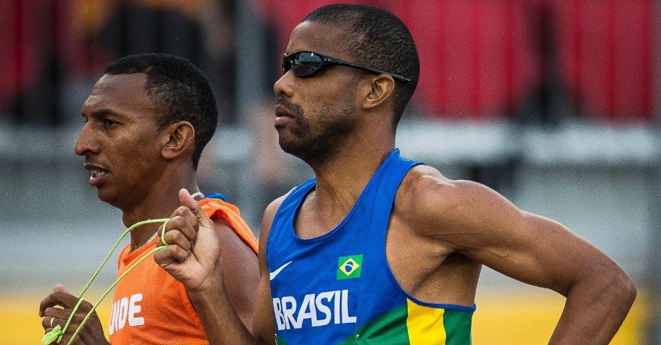 Ele disputou a prova dos 1500 metros, na qual foi medalha de ouro em Londres 2012, e também tem o recorde mundial dos 800 metros