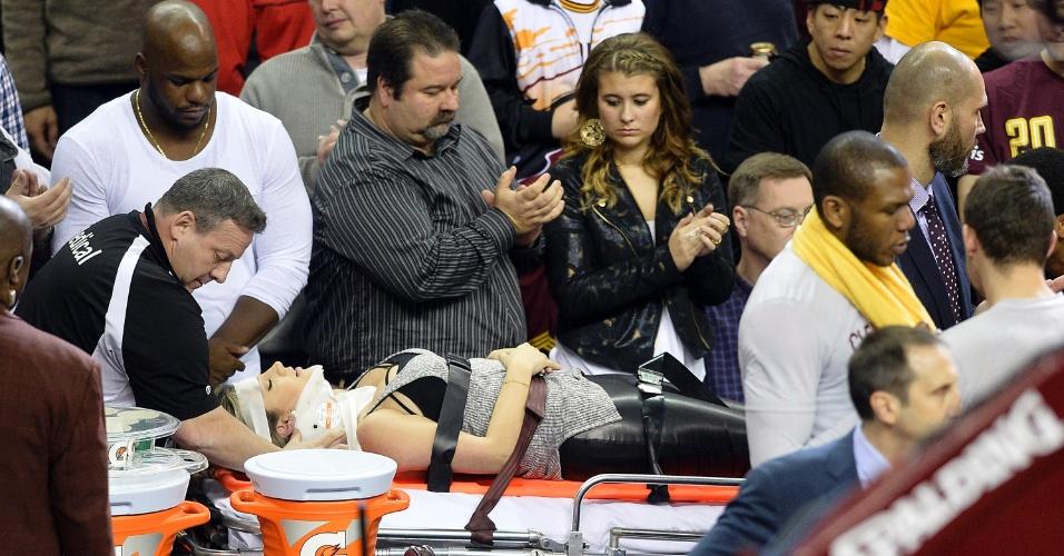 A vítima da queda de LeBron foi Ellis Day, mulher do golfista Jason Day. Ela foi parar no hospital por conta do incidente
