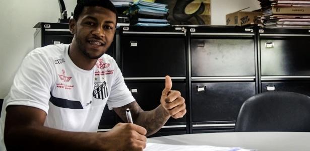 Diego Silva, novo zagueiro do Santos contratado junto ao Náutico