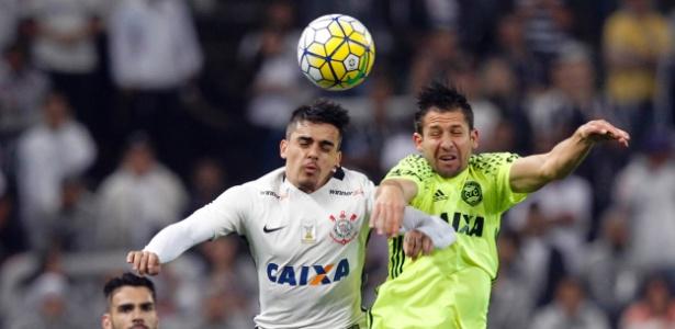 Com derrota para o Corinthians, Coritiba caiu para a vice-lanterna do Brasileiro
