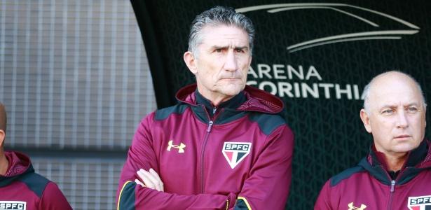 Edgardo Bauza, técnico do São Paulo, em clássico contra o Corinthians no Campeonato Brasileiro