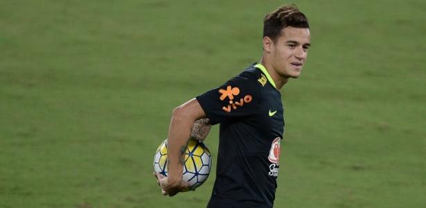 Philippe Coutinho em treino nesta terça: novo titular brasileiro