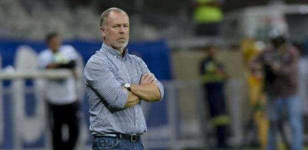 Mano Menezes cobra melhora do Cruzeiro na atual temporada