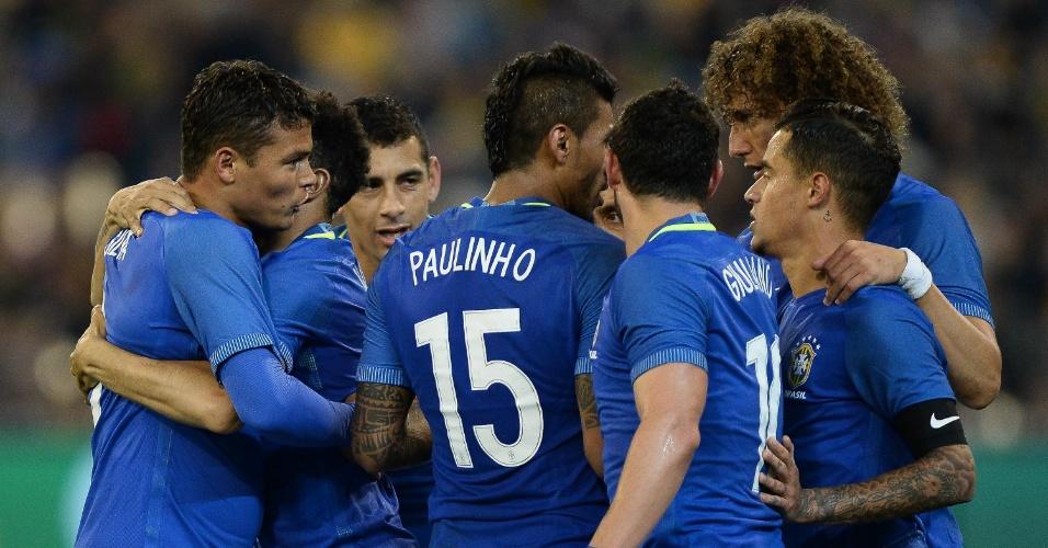 Seleção comemora gol contra a Austrália