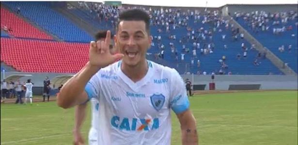 Jonatas Belusso está trocando o Londrina pelo Al Shabab, de Riad