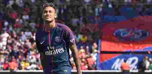 Neymar durante sua apresentação oficial no PSG; um ano depois, relação anda fria - AFP PHOTO / ALAIN JOCARD