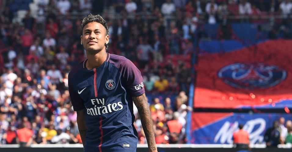 Um ano de PSG | Neymar na visão da mídia francesa: 'Paris está desapontada'