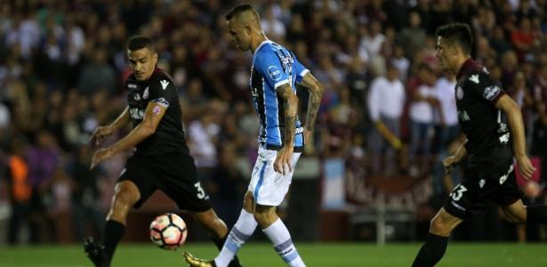 60ccfb4dd6d88 Mídia espanhola vê Grêmio como ameaça ao Real e exalta Luan e Arthur ...
