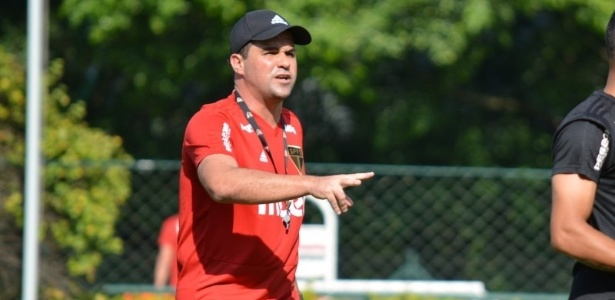 Coach André Jardine will lead Sao Paulo in the game on Thursday, at Morumbi