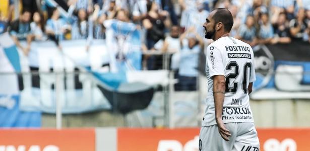 Danilo em ação contra o Grêmio nesse domingo; jogo foi seu último pelo Corinthians - Rodrigo Gazzanel/Ag. Corinthians