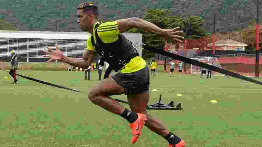 Orlando Berrío se machucou mais uma vez no Flamengo e ficará fora por pelo menos um mês - Alexandre Vidal/Flamengo