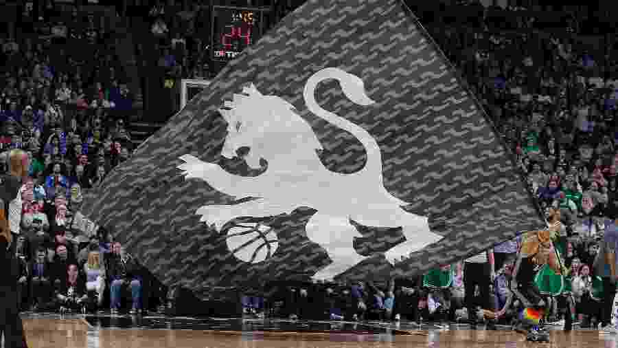 Bandeira do Sacramento Kings -  Rocky Widner/Getty Images
