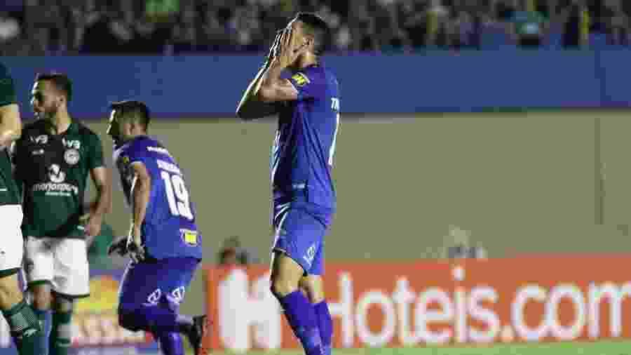 Meia da camisa 10 celeste disse estar sendo exposto pela diretoria do Cruzeiro - Heber Gomes/AGIF