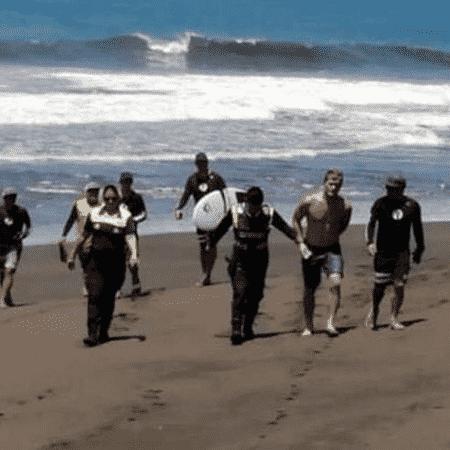 Noe Mar McGonagle foi detido pela polícia em praia da Costa Rica - Reprtodução/Surfline