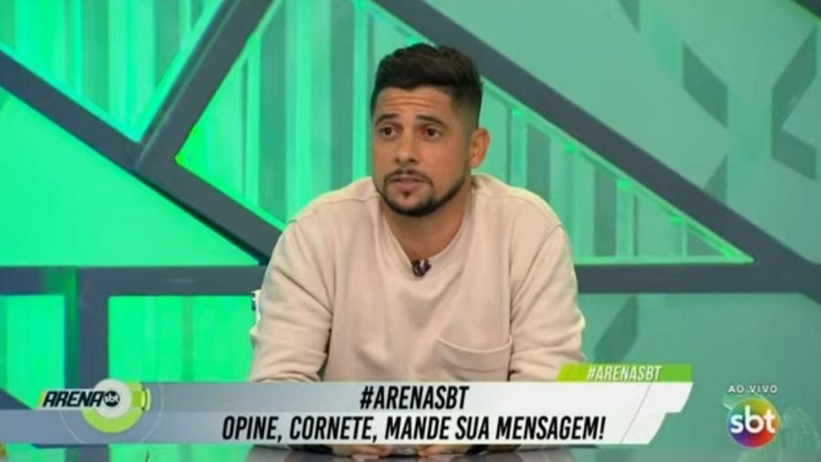 Cicinho diz que Corinthians deveria contratar Mister M - Reprodução/SBT