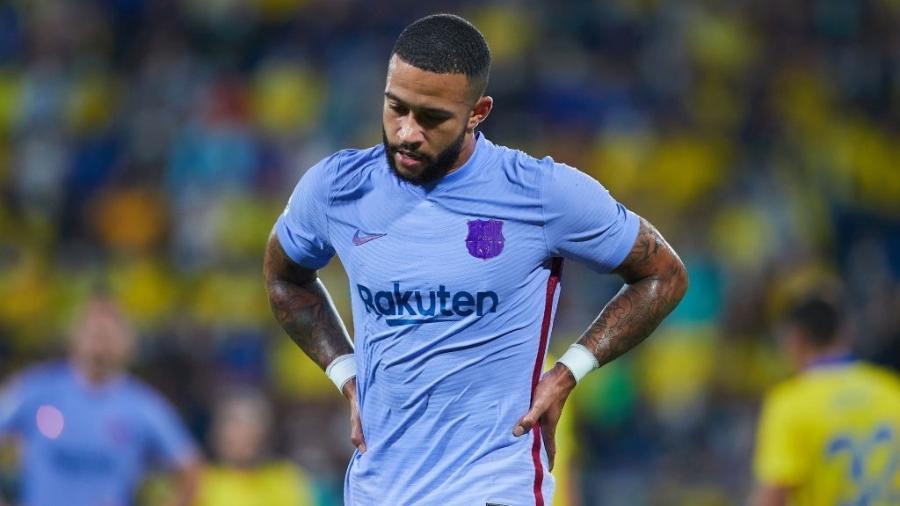 Memphis Depay lamenta chance perdida na partida entre Barcelona e Cádiz pelo Campeonato Espanhol - GettyImages