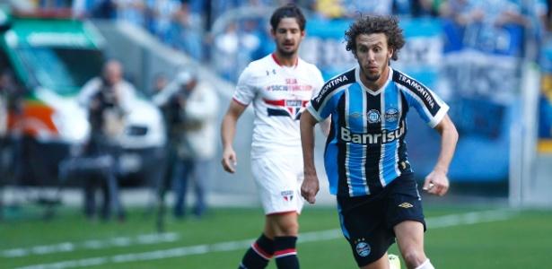 Rafael Galhardo defendeu as cores de Flamengo, Santos, Bahia, Grêmio e Atlético-PR no Brasil