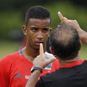 Lateral Jorge ressalta o fato de o Flamengo voltar a utilizar o Maracanã - Gilvan de Souza/ Flamengo