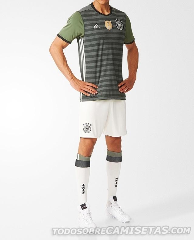GRUPO C: Alemanha (camisa reserva, adidas)