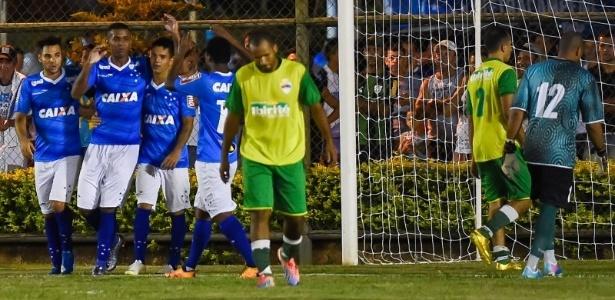 Comandados por auxiliar de Deivid, garotos venceram por 3 a 0 em Ibirité - Pedro Vilela/Light Press/Cruzeiro