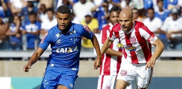 Jogador foi titular do Cruzeiro na partida contra o Villa Nova, na estreia do Mineiro