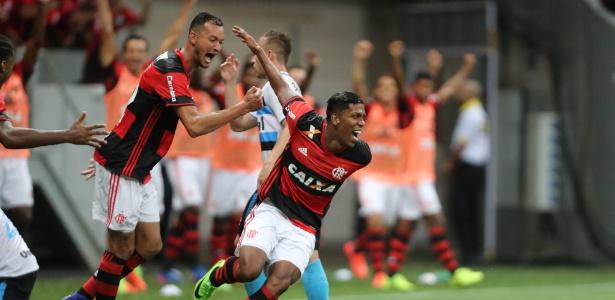 Berrío estreou com gol pelo Flamengo e ficará como opção no banco em clássico