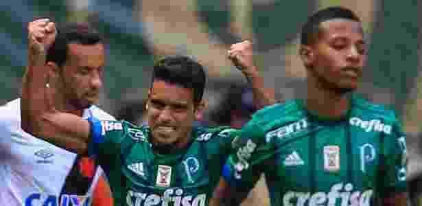 Jean comemora gol do Palmeiras, o primeiro no Brasileiro-2017 - JALES VALQUER/FOTOARENA/FOTOARENA/ESTADÃO CONTEÚDO