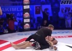 Final surpreendente: lutador desmaia, se recupera e vence por nocaute