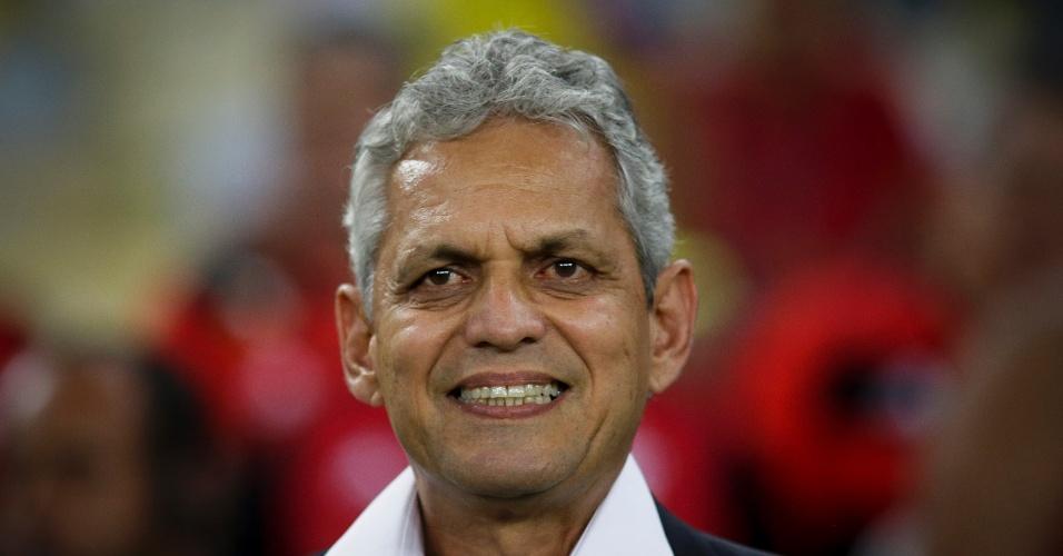 O técnico Reinaldo Rueda comanda o Flamengo contra o Fluminense na Sul-Americana