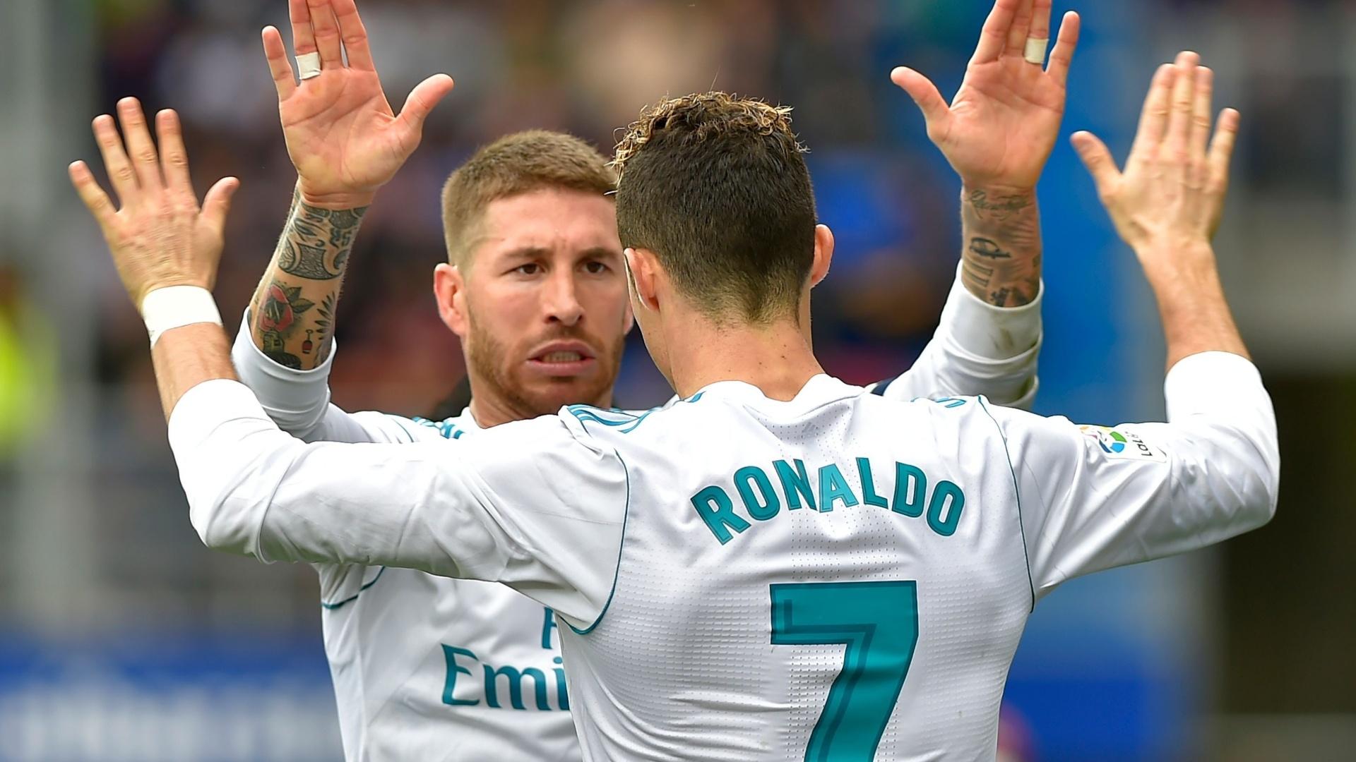 Sergio Ramos sentiu indisposição estomacal e precisou ir ao vestiário durante a partida