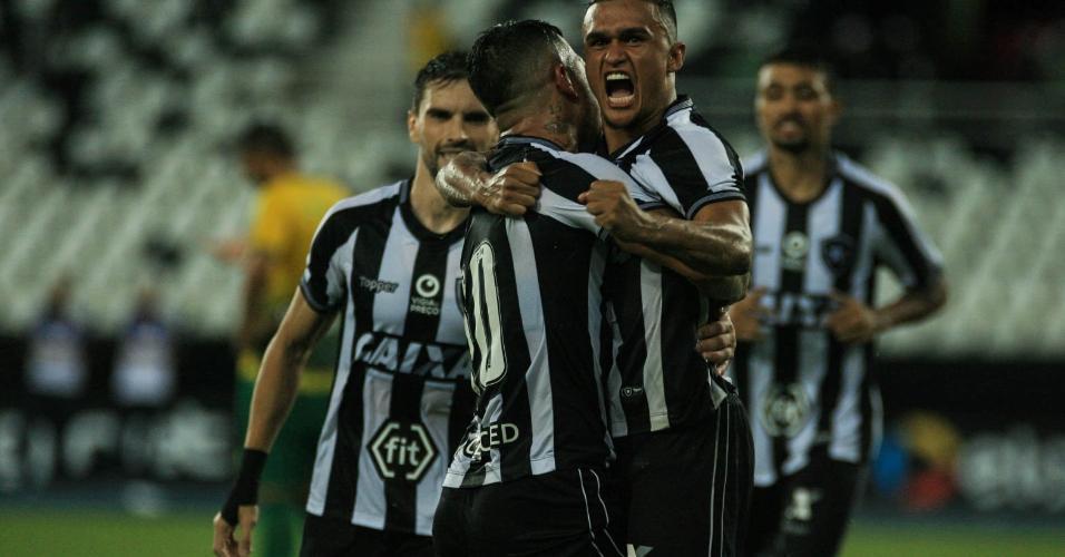 Erick comemora seu gol para o Botafogo durante partida contra o Cuiabá pela Copa do Brasil 2019