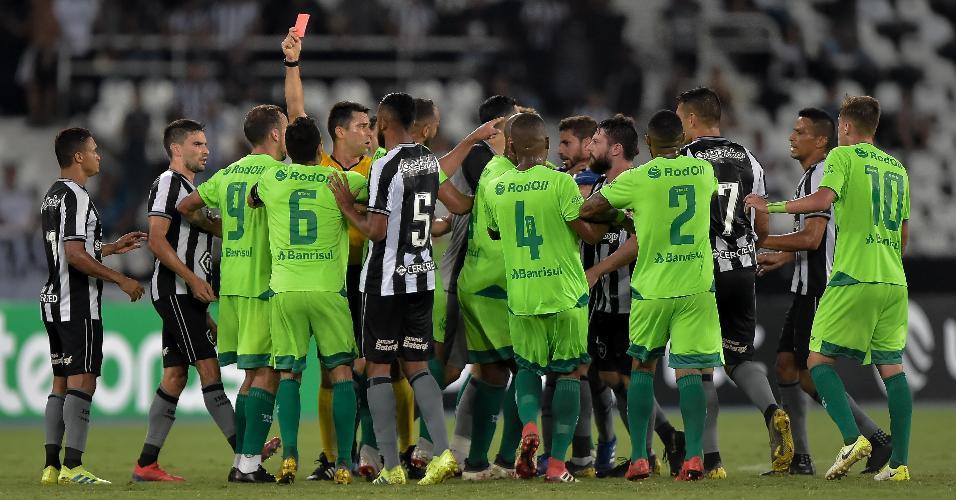 Confusão em Botafogo x Juventude resultou em duas expulsões