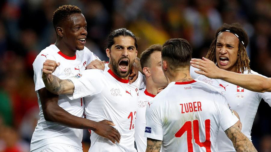 Ricardo Rodríguez comemora gol da Suíça contra Portugal - REUTERS/Rafael Marchante