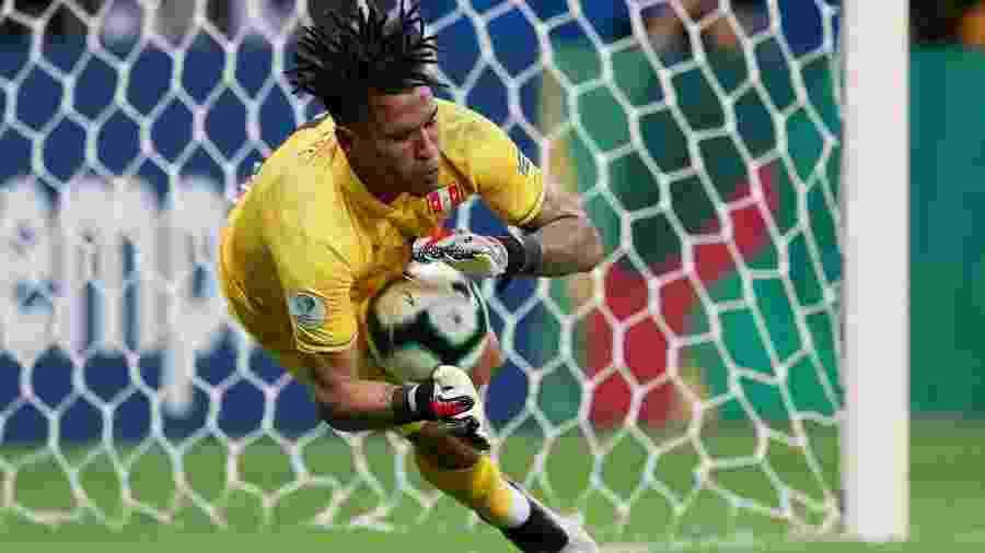 Gallese falhou contra o Brasil na primeira fase, mas se redimiu com pênalti defendido e atuação de gala no mata-mata - Ricardo Moraes/Reuters