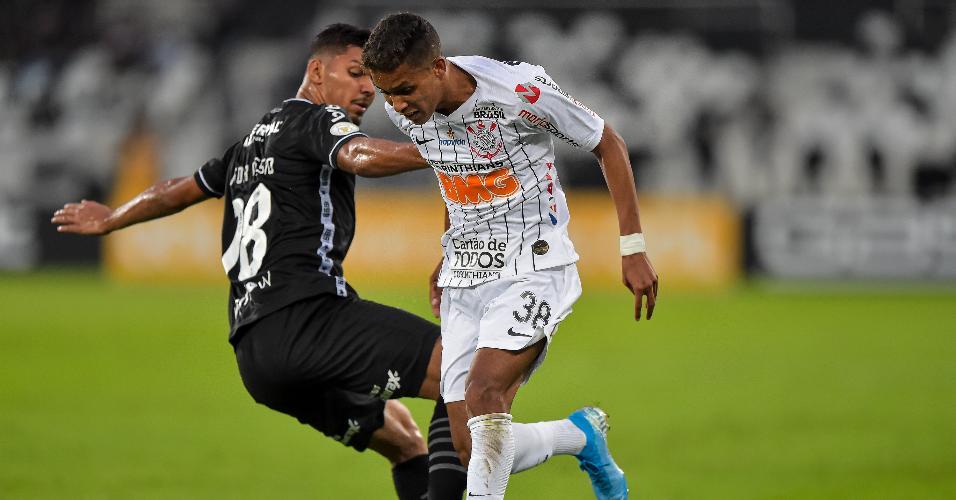 Pedrinho, durante partida entre Corinthians e Botafogo