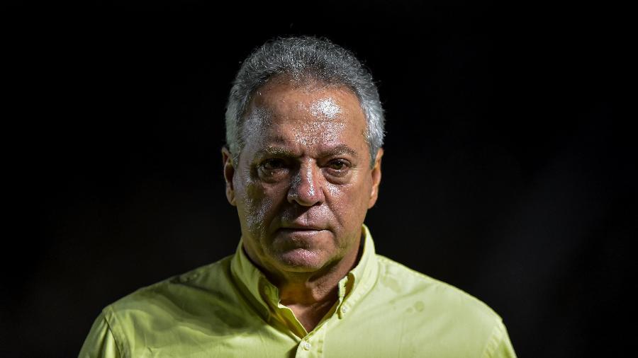 Técnico de 68 anos, que estava sem clube desde que deixou o Inter, assinou contrato com o Lugano - Thiago Ribeiro/AGIF