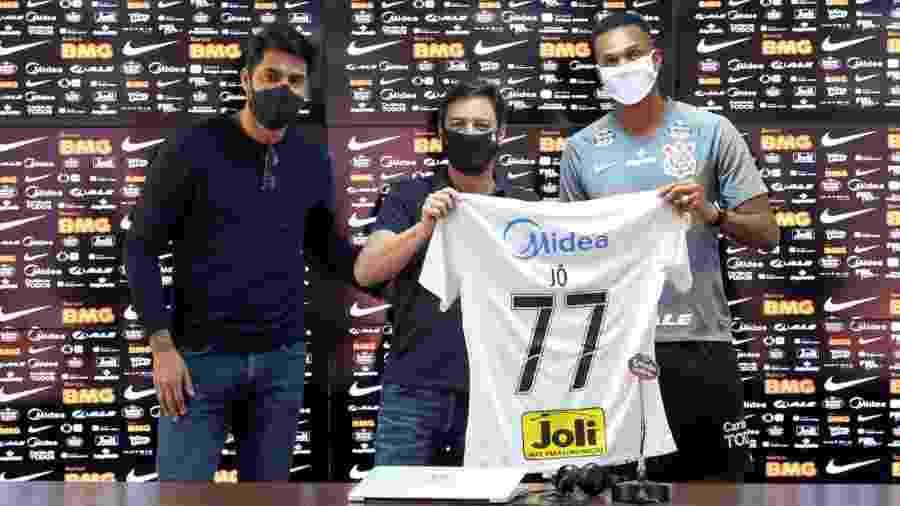 Atacante Jô vestirá a camisa 77 em sua terceira passagem pelo Corinthians - Agência Corinthians